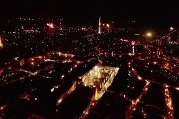 Spectaculaire drone beelden van vuurwerk boven Goes
